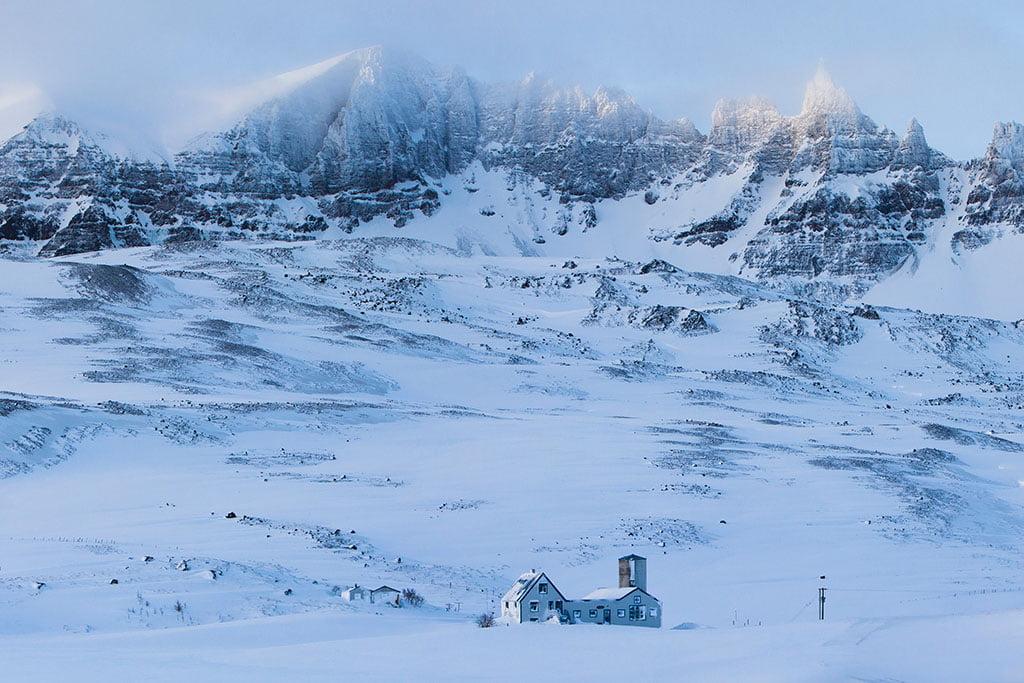 Hraundrangar - Arctic Exposure